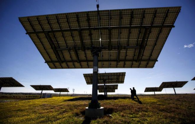 España tendrá que pagar 128 millones tras perder el primer arbitraje en el Ciadi por el recorte a las renovables