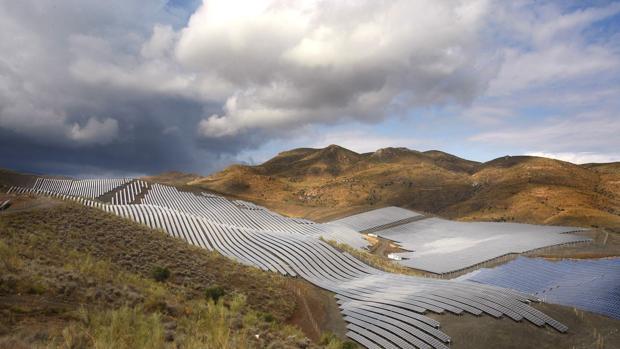 ¿Andalucía puede alimentar de kilovatios a Europa?