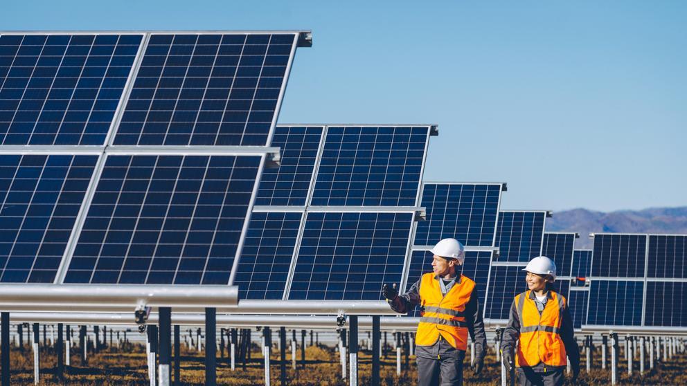 El sol brilla de nuevo en el sector fotovoltaico español